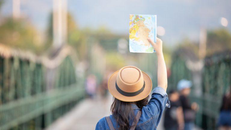 Réserver des vacances en ligne ou dans une agence ?